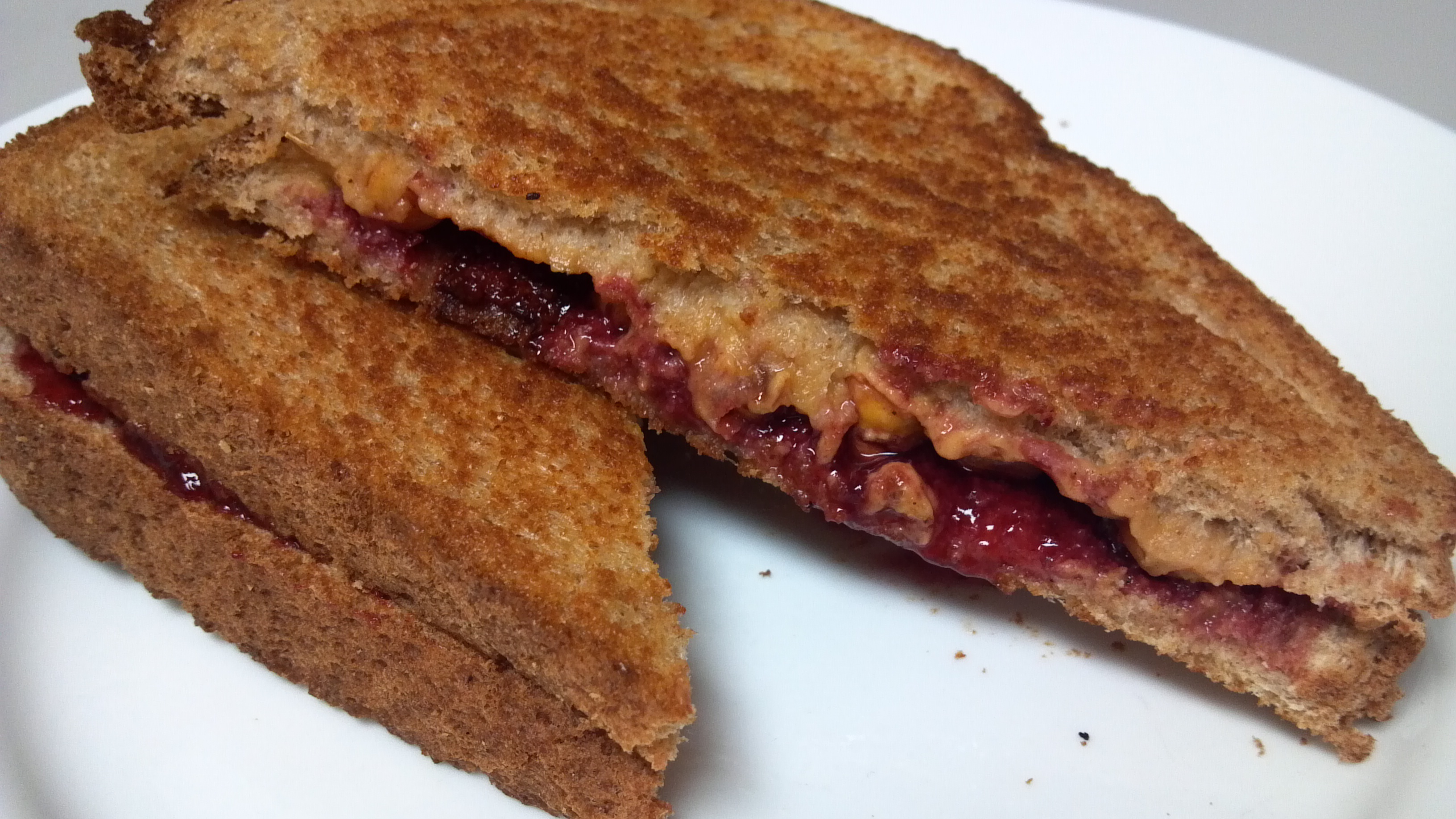 Sweet and Savory Grilled Peanut Butter and Jelly Sandwich ...